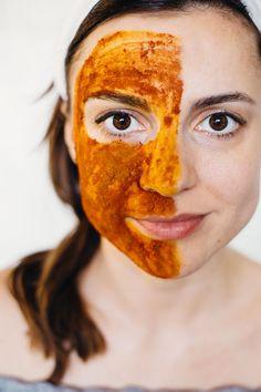 DIY: turmeric face scrub + fat-burning golden milk
