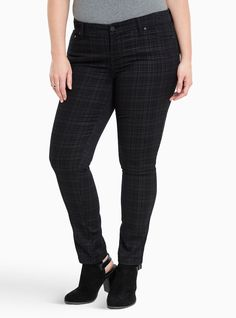 "<div>Don't look now, but it's your new fave pant (okay you should probably look). The black and grey plaid print style has the leg opening and fit of our Skinny (lean and sexy with a bit of wiggle room) with the top of your new fave - the Luxe (the waistband is crazy stretchy with a roomy fit). The 4-way stretch material is our stretchiest yet, clinging to your curves like a second skin.</div><div><ul><li style=""LIST-STYLE-POSITION: outside !i..."