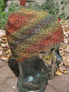 Super easy hat pattern that shows off this lovely and super soft yarn! For larger or smaller sizes, alter cast on number in multiples of Knitting Patterns Free, Free Knitting, Knitting Stitches, Knitting Ideas, Free Pattern, Knit Crochet, Crochet Hats, Christmas Knitting, Knitted Gloves