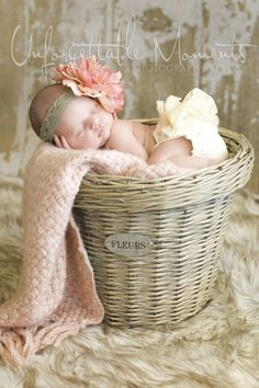 This is such a sweet newborn photo session idea. I love the props, colors, and the set up. {Baby Photography}