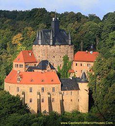 Burg Kriebstein (Kriebstein Castle), Kriebstein, near Waldheim, Saxony, Germany... www.castlesandmanorhouses.com ... The Kriebstein is an unusual combination of a tower castle (a Turmburg) and a ringwork castle.