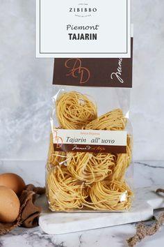 Die klassischen Eiernudeln Tajarin sind eine traditionelle Pasta-Spezialität aus der Region Piemont. Place Card Holders, Pasta, Traditional, Pasta Recipes