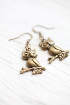 Owl earrings Antique brass