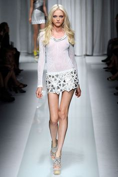 Versace Spring 2010 Ready-to-Wear Fashion Show: Complete Collection - Style.com