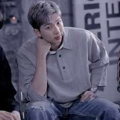 Namjoon, Bts Taehyung, Jimin, Foto Bts, Bts Photo, Rapper, Cute Bangs, Solo Pics, Boyfriend Pictures