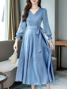 Autumn elegant large size v-neck long sleeve lace midi dress : Blue bow elegant dress. Stylish Dresses, Simple Dresses, Elegant Dresses, Cute Dresses, Beautiful Dresses, Casual Dresses, Indian Fashion Dresses, Muslim Fashion, Fashion Outfits