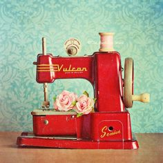 Sewing Projects for Beginners Would love to have a vintage children's sewing machine for shelf in my sewing room.Would love to have a vintage children's sewing machine for shelf in my sewing room. My Sewing Room, Sewing Rooms, Sewing Desk, Sewing Tables, Sewing Spaces, Antique Sewing Machines, Vintage Sewing Patterns, Retro Vintage, Vintage Stuff