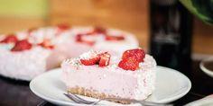 Koolhydraatarme Kwarktaart met Aardbeien | Makkelijk Afvallen Low Carb, Canning, Desserts, Tailgate Desserts, Deserts, Home Canning, Dessert, Food Deserts, Conservation