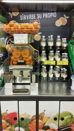 Zumo de naranja natural exprimido con máquinas de Zumex -  El supermercado Mercadona no para de sacar nuevos productos, marcas y envases, la más reciente novedad es el zumode naranja natural exprimido con la máquina Zumex, se hace al momento y está muy rico y natural.Sencillamente vas a deber seleccionar la cantidad que deseas llevarte a casa (2 form... #Mercadona, #Productosdestacados  #Zumex Ver en la web : http://ofertassupermercados.es/zumo-de-naranja-natural-