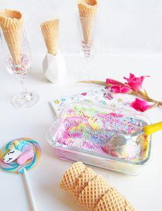 Eiscreme-Rezept - Einhorn-Eiscreme selber machen: the-shopazine.de Bunt, Breakfast, Food, Christmas Foods, Gelato Recipe, Unicorn Party, Ice Cream Making Machine, Birthday, Recipies