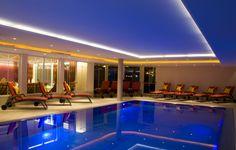 Pool, Hallenbad im 4 Sterne Hotel Stubaierhof Neustift Spa, Wellness, Basketball Court, New Pins