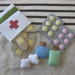 Felt First-Aid Kit Oh no Did your tot s teddy take a tumble Your kiddo will be ready to jump into action and make teddy feel all better with this Felt First-Aid Kit 12 The felt set includes band-aids tablets medicine bottles and cute little cotton balls Diy For Kids, Crafts For Kids, Sewing Projects, Craft Projects, Craft Ideas, Diy And Crafts, Arts And Crafts, Simple Crafts, Felt Play Food