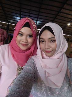 rias pengantin dan dekorasi pernikahan di lombok Lombok, Salons, Dan, Wedding, Valentines Day Weddings, Lounges, Weddings, Marriage, Chartreuse Wedding
