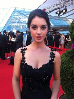Adelaide Kane. I swear I love this woman more than life itself