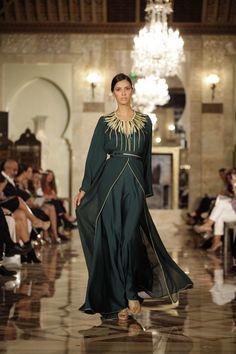 Les stylistes rendent hommage à Yves Saint Laurent à l'Oriental Fashion Show - Plurielle