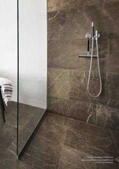 Dansk designet gulvafløb til badeværelset - Se inspirationskataloget her.