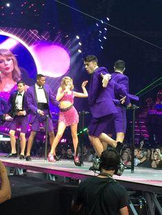 Taylor Swift 1989 Nashville