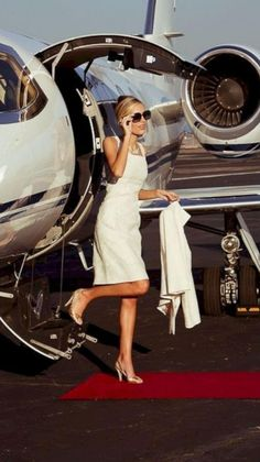 Wealthy Lifestyle, Luxury Lifestyle Fashion, Rich Lifestyle, Luxury Fashion Brands, Millionaire Lifestyle, Lifestyle Changes, Lifestyle Blog, Old Money, Classy Aesthetic