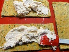Jak upéct špenátové kostky s náplní i pro diabetiky | recept | jaktak.cz Chicken, Meat, Food, Essen, Meals, Yemek, Eten, Cubs