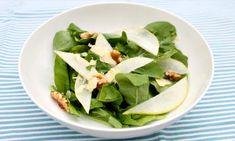 Pear and walnut salad