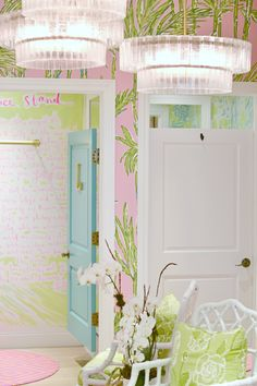 As I shared Friday, I had a chance to visit the new Lilly Pulitzer store at Oakbrook last week. The store is seriously swoonworthy. Think: preppy Palm Beach chic, with a nod to local… Gift Shop Interiors, Lilly Pulitzer, Do It Yourself Design, Room Wall Painting, House Doors, Tropical Decor, Pretty Pastel, Cool Rooms, Apartment Design