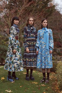 Erdem Pre-Fall 2018 Lookbook, Runway, Womenswear Collections at TheImpression.com - Fashion news, street style, models, accessories