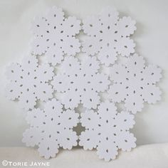 Hand stitched snowflake placemat sew felt snowflakes together to make a placemat Christmas Crafts, Christmas Decorations, Xmas, Christmas Tree, Christmas Ideas, Strawberry Lip Balm, Winter Wonderland Theme, Sewing Tutorials, Navidad