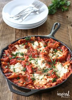 inspired by charm Skillet Lasagna http://www.inspiredbycharm.com/2015/07/skillet-lasagna.html via bHome https://bhome.us