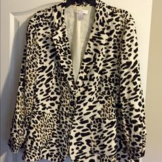 Chico's lined Cheetah print Blazer size 2 (12/14) Two button closure, very nice lightweight material and lined cheetah print blazer. Chico's size 2 which is a 12/14. This blazer fits either size. So nice! Like new! Chico's Jackets & Coats Blazers