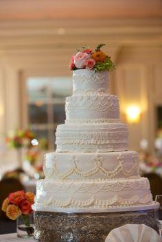 Simple Elegance: Real Weddings: Kayla + Patrick courtesy of #AdrienneMaplesPhotography #BranchesandTwigs #creativecakes #classicwhite #simpleelegance @iplanyourwed #kansascity #weddingplanner www.iplanyourwedding.com