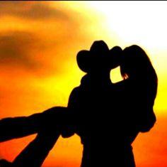 Country Love #CountryBoy #CountryGirl #Love #CountryLife #PhotographyIdeas
