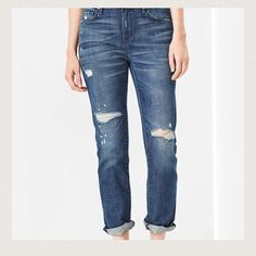 SALE ✨NEW✨ GAP Real Straight Skimmer Gap Real Straight Skimmer Jeans, Size 27r, mid rise, slim in the hip & thigh, straight leg opening, slim just above the ankle, stretch, 99% cotton 1% Spandex, machine wash, ✨Bundle and Save✨ Fast Shipper  (same day or next day depending when purchased) GAP Jeans