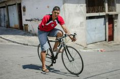 Metamorfose Ambulante: A story of a brave young called David Santos Sousa...