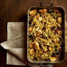 Kaikki reseptit - Kariniemen.fi Lasagna, Pesto, Spaghetti, Chicken, Ethnic Recipes, Food, Essen, Meals, Yemek