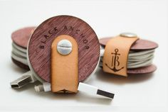 .Very simple USB organiser.