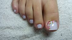 20 adorable toe nail designs and ideas 06 Pedicure Designs, Pedicure Nail Art, Toe Nail Designs, Toe Nail Art, Manicure And Pedicure, Hair And Nails, My Nails, Nagel Hacks, Feet Nails