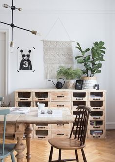 my scandinavian home: The inspiring dining area of an interior designer / Photo: Niki Brantmark. Pharmacy sideboard by Nordal. Dining Room Design, Dining Area, Interior Design Living Room, My Living Room, Home And Living, Living Spaces, Style At Home, Best Interior, Interior Styling