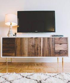Buffet usado como rack de TV