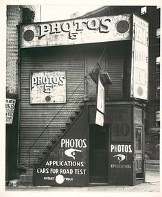 License Photo Studio, New York 1934, Walker Evans