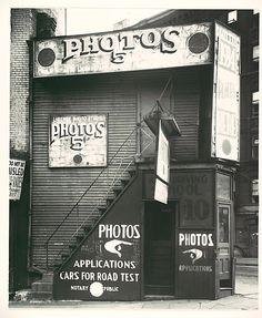 License Photo Studio, New York 1934, Walker Evans