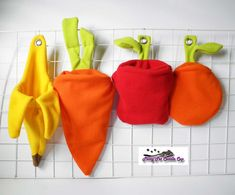 Veggies pouches  Hey, I found this really awesome Etsy listing at https://www.etsy.com/listing/170248593/sugar-glider-fruits-and-veggies-cage-set