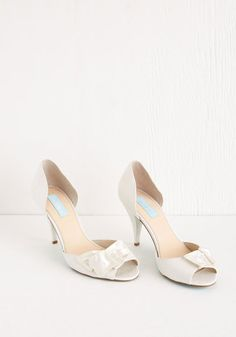Betsey Johnson Wed to Toe Heel. From your veil down to these vintage-inspired heels by Betsey Johnson, your bridal look is just stunning. #gold #prom #modcloth