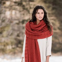Spring-a-long with our newest knit-a-long: the Endless Wrap. This piece has become an instant favorite and it will surely become yours too.