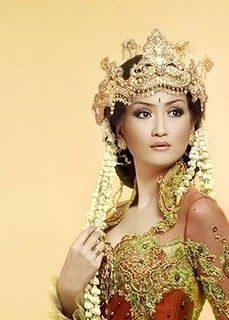 – get rates, info & availability for Event Photography ~ siger Javanese Wedding, Indonesian Wedding, Malay Wedding, Wedding Photography Poses, Wedding Poses, Wedding Dresses, Traditional Wedding, Traditional Outfits, Art Costume