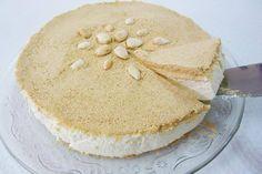 Hoy explicamos el paso a paso para hacer una deliciosa Tarta de Nata perfecta para celebrar una ocasión especial. ¡Que la disfrutéis! #Tarta_de_nata #recetas #dulce #postre #tarta #nata