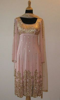 Great to wear to wedding events - Indian outfit - salwar kameez / Punjabi