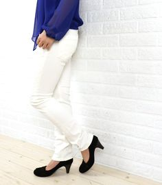 "YANUKコットン ポリウレタン ボーイズスリム ホワイトデニムパンツ ""KAY"" White Jeans, Suits, Fashion, Blue, Moda, Fashion Styles, Suit, Wedding Suits, Fashion Illustrations"