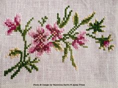 Just Cross Stitch Patterns Free | Cross stitched flowers