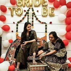 Lockdown Weddings That Gave Us 8 Major Budget Décor Ideas for Indian Weddings - Witty Vows Indian Wedding Photography, Light Photography, Couple Photography, Wedding Places, Home Wedding, Wedding Ceremony, Drawing Room Furniture, Minimal Decor, Decorating On A Budget