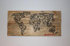 carte du monde de fil en clou Art Craft Store, Craft Stores, Marius, Creation Deco, Creations, Arts And Crafts, Palette, Couture, Survival Kit